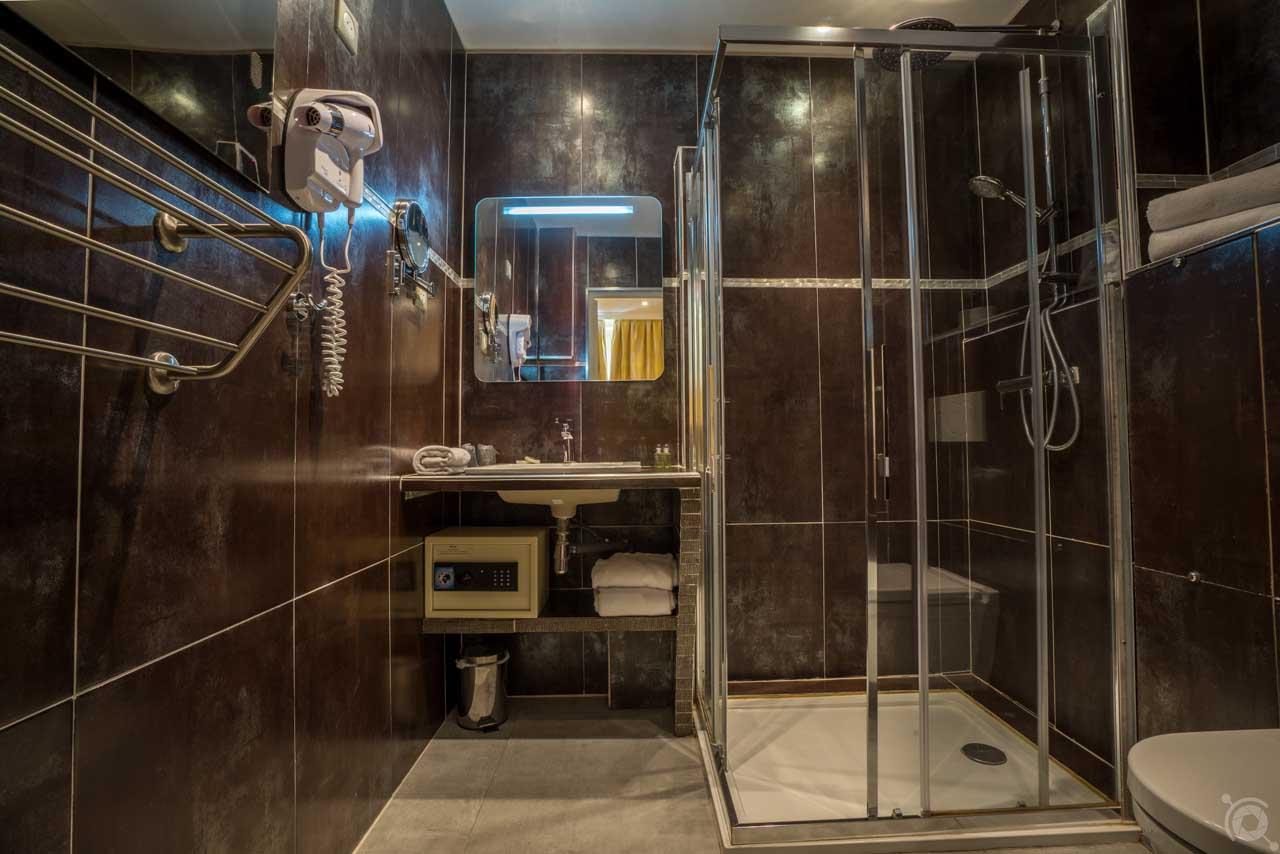 lang[meta_title] - Chambre 05 - Salle de bain