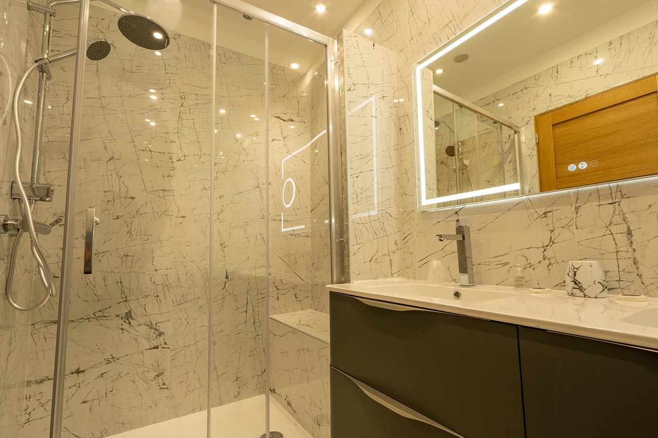lang[meta_title] - Chambre 10 - Salle de bain 3