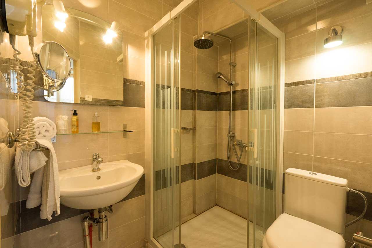 lang[meta_title] - Chambre 12 - Salle de bain