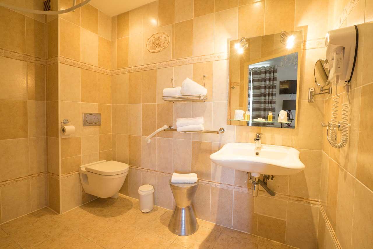 lang[meta_title] - Chambre 15 - Salle de bain